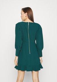 Closet - PEP HEM PENCIL DRESS - Shift dress - forest green - 2