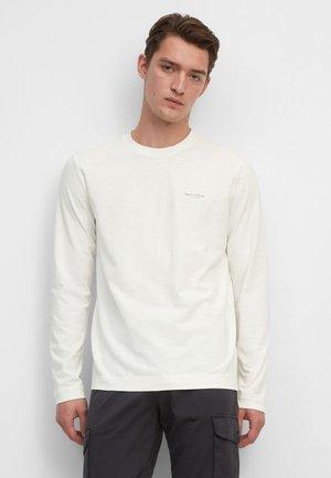 Long sleeved top - egg white