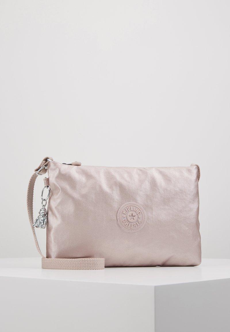 Kipling - ATLEZ DUO SET - Taška spříčným popruhem - metallic gift