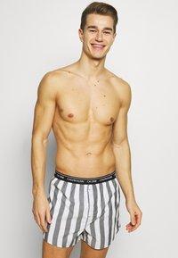 Calvin Klein Underwear - 3 PACK - Boxer shorts - black - 2