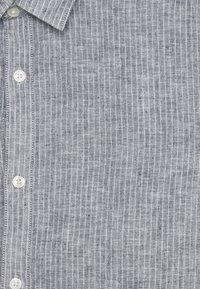 Only & Sons - ONSCAIDEN STRIPE - Shirt - mottled grey - 6