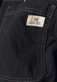 BDG Urban Outfitters - JARED HOODED JACKET - Denim jacket - black - 4