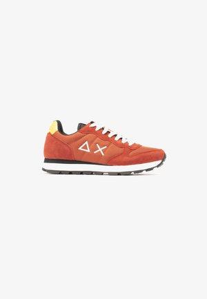 Z41101/ 36 - Sneakers laag - orange