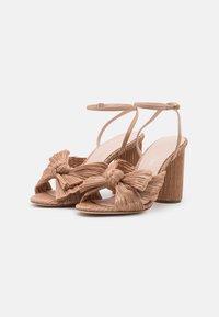 Loeffler Randall - CAMELLIA - Sandály na vysokém podpatku - dune - 2
