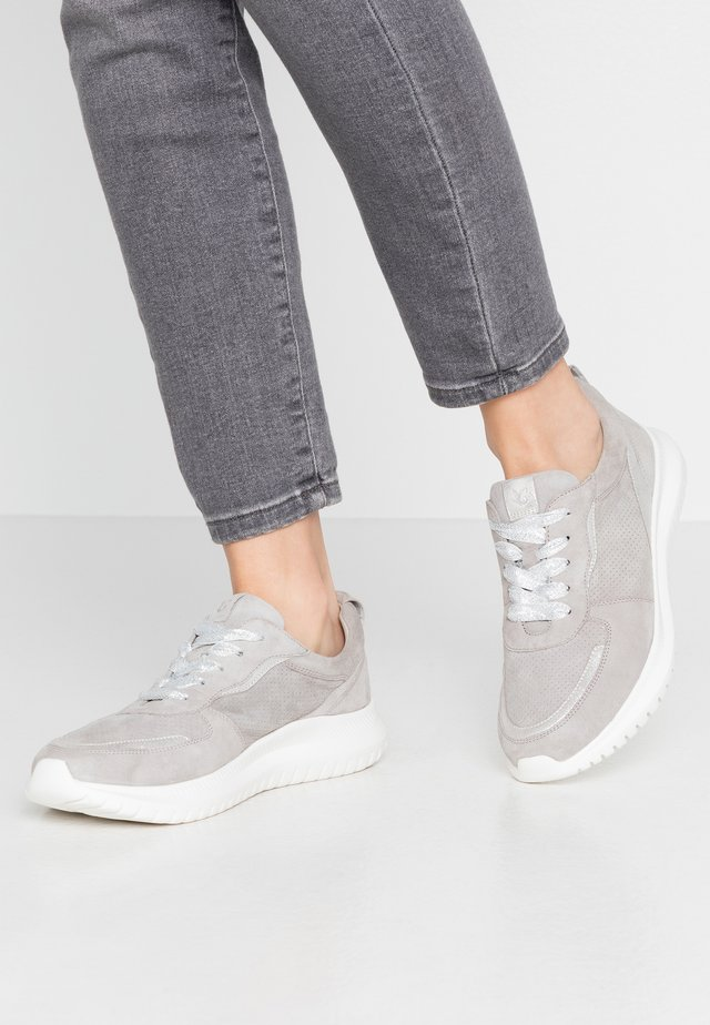 WIDE FIT - Sneakers laag - grey