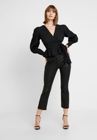 Nly by Nelly - VOLUME WRAP - Blouse - black - 1