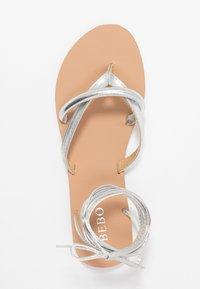 BEBO - BARE - Sandály s odděleným palcem - silver - 3