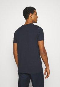 Ellesse - SMALL LOGO PRADO - Print T-shirt - navy - 2