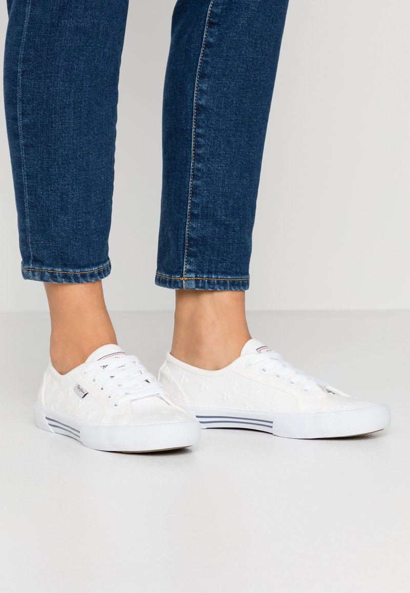 Pepe Jeans - ABERLADY ANGY  - Sneakersy niskie - white