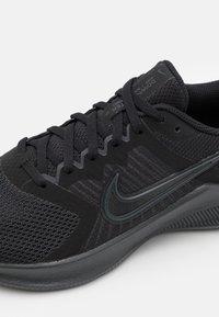 Nike Performance - DOWNSHIFTER 11 - Neutrala löparskor - black/dark smoke grey/particle grey - 5