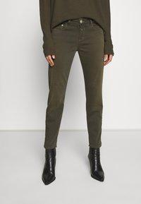 CLOSED - BAKER - Skinny džíny - shadow green - 0