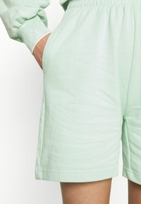 Gina Tricot - NORA - Shorts - gossamer green - 4