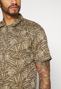 Only & Sons - ONSGABRIAL ANIMAL  - Camicia - incense - 4