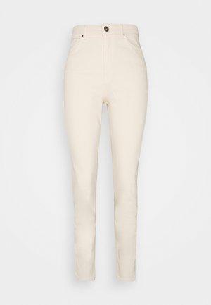 PCLEAH MOM - Slim fit jeans - birch