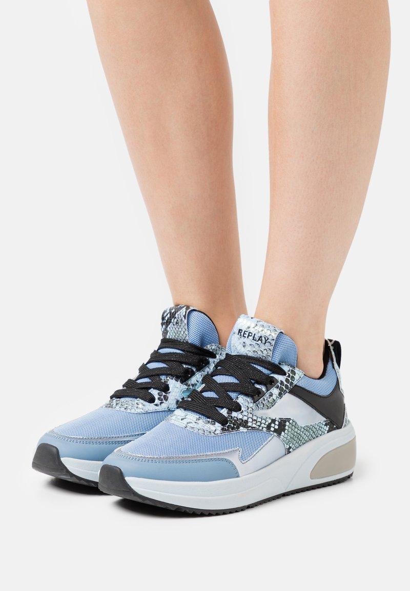 Replay - AMUDENA - Sneakersy niskie - light blue