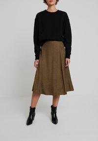 Gestuz - IRINA SKIRT - Maxi sukně - dark olive - 0