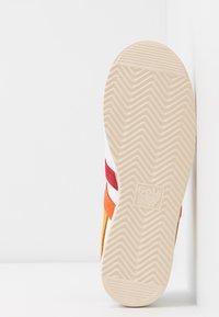 Gola - BULLET TRIDENT - Sneakersy niskie - white/multicolor - 6