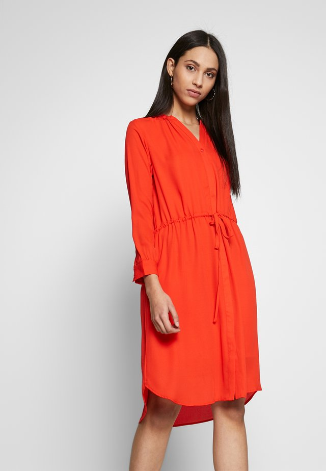 SLFDAMINA DRESS - Robe chemise - orange