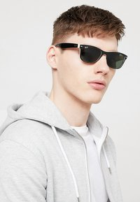 Ray-Ban - Sunglasses - schwarz - 1
