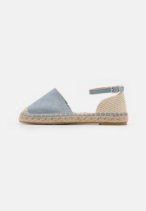Alpargatas - light blue/ beige