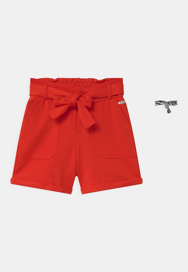 DOUTZEN - Shorts - fire red