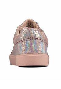 Clarks - CITY OASISLO - Sneakers laag - pink metalic - 2