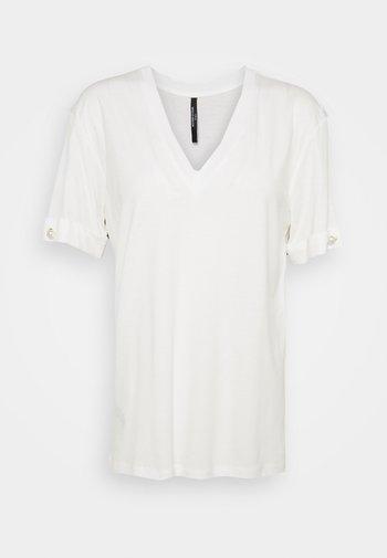 V NECK WITH PEARL BAR SLEEVE - Basic T-shirt - white