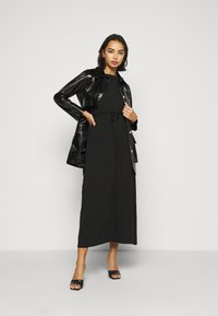 Dorothy Perkins Petite - ROLL SLEEVE DRESS - Maxi šaty - black - 1