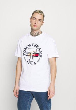 TIMELESS TOMMY TEE UNISEX - T-shirt med print - white