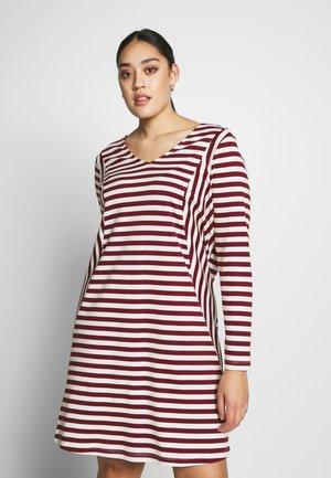 RISE ABOVE DRESS - Jerseyjurk - madder brown/vanilla ice