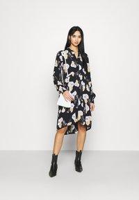 Pieces - PCNADI DRESS  - Denní šaty - black - 1