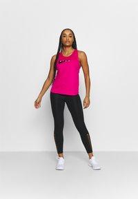Nike Performance - RUN TANK - Top - fireberry/reflective silver - 1
