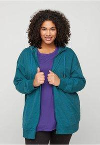 Zizzi - Zip-up hoodie - green - 0