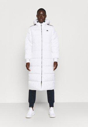 JUDITH  - Winter coat - bright white