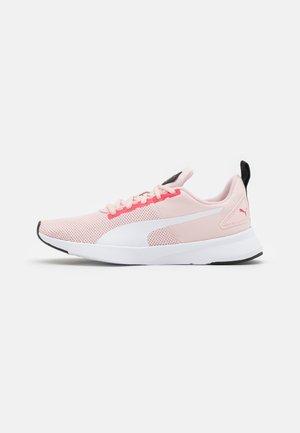 FLYER RUNNER JR UNISEX - Neutral running shoes - white/lotus/paradise pink