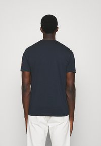 EA7 Emporio Armani - Print T-shirt - dark blue/orange - 2