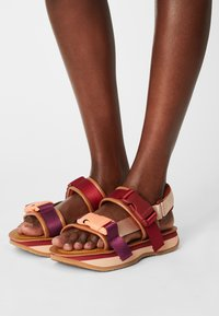 See by Chloé - YSEE - Korkeakorkoiset sandaalit - tan - 0