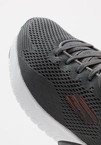 Skechers Sport - SKECH AIR STRATUS MAGLEV - Baskets basses - charcoal/black - 5