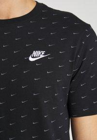 Nike Sportswear - TEE MINI - T-shirt med print - black/grey - 4