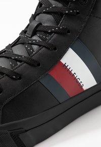 Tommy Hilfiger - FLAG DETAIL - Sneakers high - black - 5