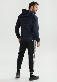 Jack & Jones - JCOMULTI QUILTED JACKET - Outdoorjacke - dark blue - 2