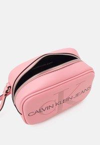Calvin Klein Jeans - CAMERA BAG - Across body bag - soft berry - 2