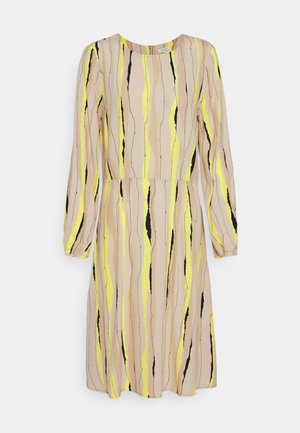DRESS PRINTED PLEAT DETAIL - Day dress - yellow/beige