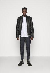 Bruuns Bazaar - RALF STRIBED CHINA  - Shirt - grey mist - 1
