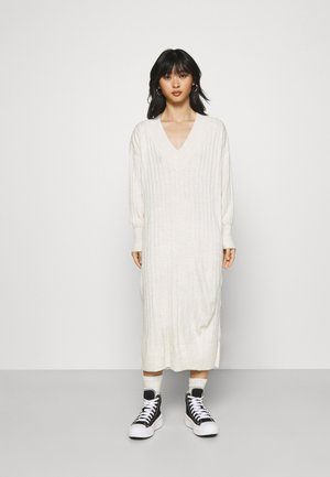 ONLNEW TESSA MIDI DRESS - Gebreide jurk - pumice stone