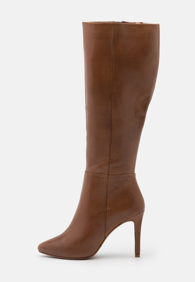 EFFINA - Kozačky na vysokém podpatku - cognac