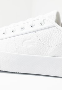 Lacoste - ZIANE PLUS GRAND - Trainers - white - 2