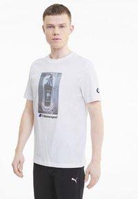 Puma - BMW GRAPHIC TEE - Print T-shirt -  white - 0
