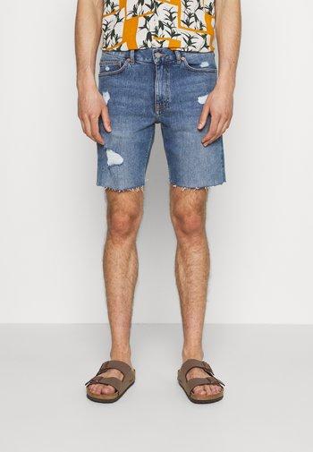 CLARK - Denim shorts - creek mid blue