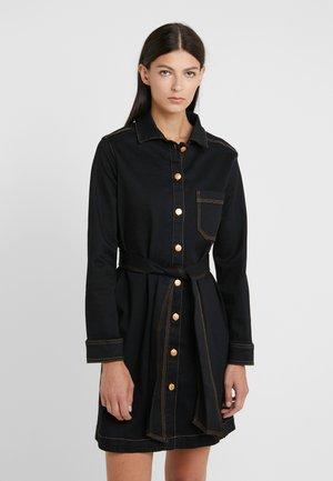 ABY  - Denimové šaty - black denim
